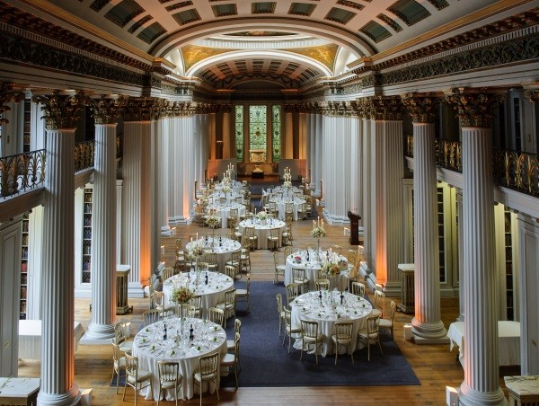 Beautiful Spring Wedding In The Heart Of Edinburgh